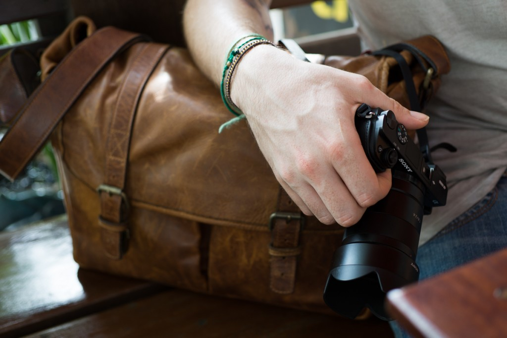 The mirrorless relief for the travelling photographer! The Sony a6000, packed in style in ONA's beautiful camera bags (www.onabags.com).