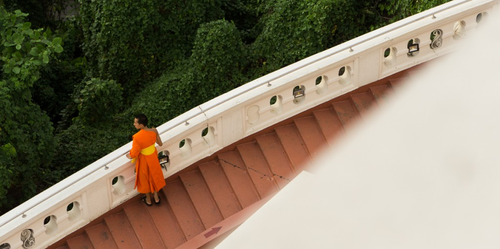 A monk walking up the golden mount in Bangkok. The autofocus with these lenses never let me down and i was nearly always able to get the shot i wanted. Marie Baersch, Sony a6000, Zeiss Touit 2.8/50mm.