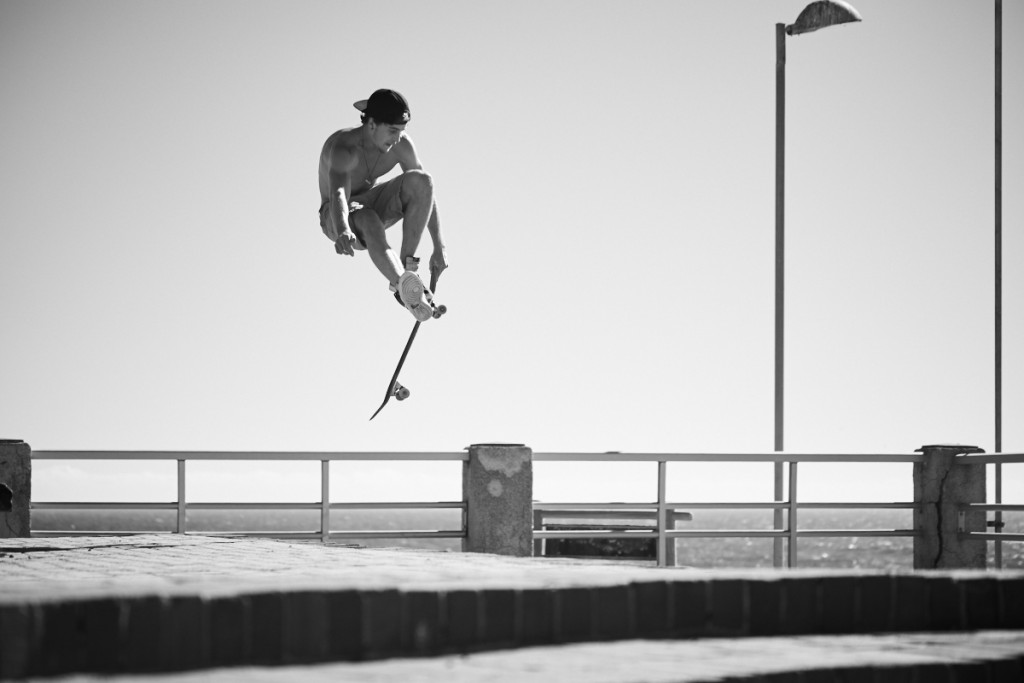 At the second location, the promenade in Seapoint we found some  stairs which were perfect for James to jump off. Alexander Waetzel, Sony A7, Sony G 4/70-200mm.
