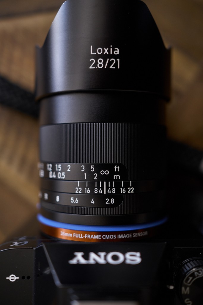 The focus and aperture controls with all the important marking you will appreciate if you're into zone focusing.